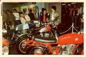 1983/03 東京モーターサイクルショーにデビュー